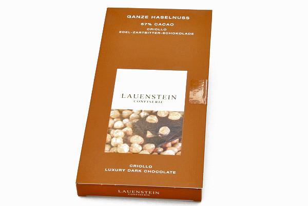 Ganze Haselnuss, Edel-Zartbitter-Schokolade 67 % Cacao